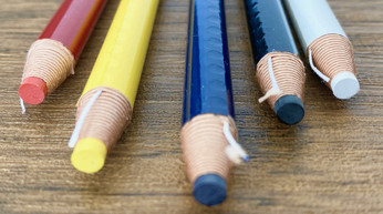 三菱鉛筆 色鉛筆 油性 DERMATOGRAPH=ダーマトグラフ